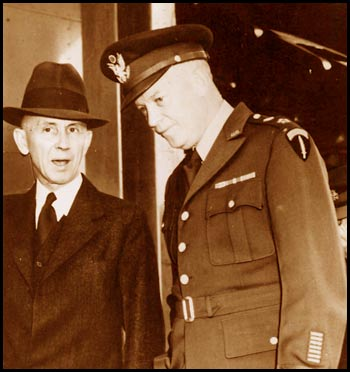 photo of earling and eisenhower 1947