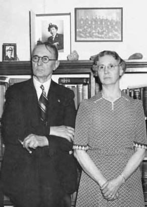 photo of Luther and Harriet Hess