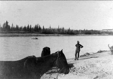 Spencer's praty crossing the Chitina River